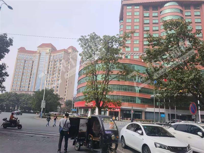 南康宝辉酒店对面精装修餐饮店转让