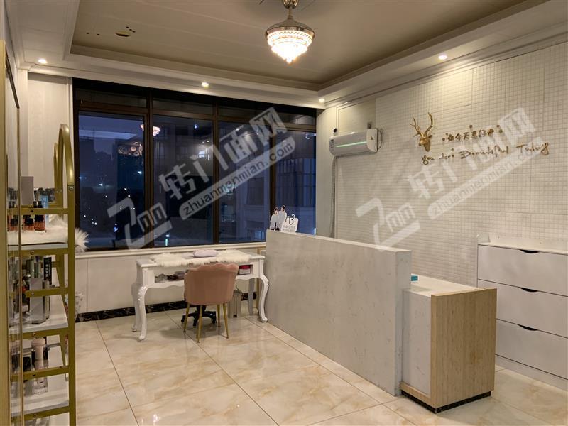 新区豪华装修大型美容院整店带会员转让,便宜转