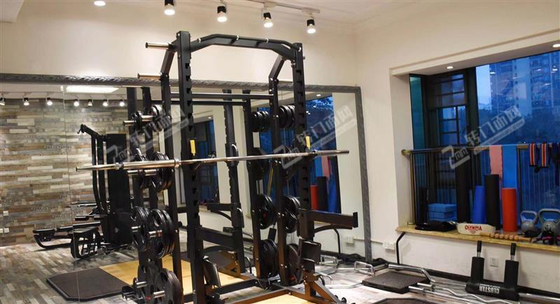 超大型成熟小区320㎡盈利中健身工作室转让